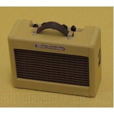 023-4811-000 Mini '57 Guitar Twin-Amp Tweed 9V Battery Headphone Out 0234811000