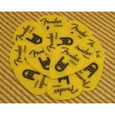 098-7351-800 Fender Yellow Delrin .73mm Guitar Picks