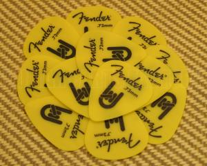 098-7351-800 Fender Yellow Delrin .73mm Guitar Picks